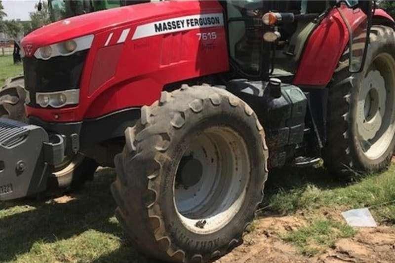 Massey Ferguson Tractors 4WD tractors 2615 4 WD Cab 2015