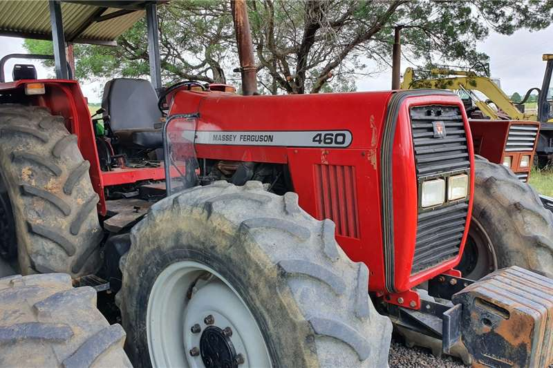 Massey Ferguson Tractors 4WD tractors 460 with papers 2006