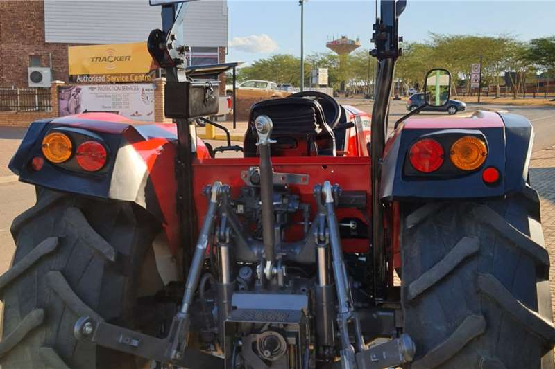 Massey Ferguson 4WD tractors Massey Ferguson 4708 4wd 8sp Tractors