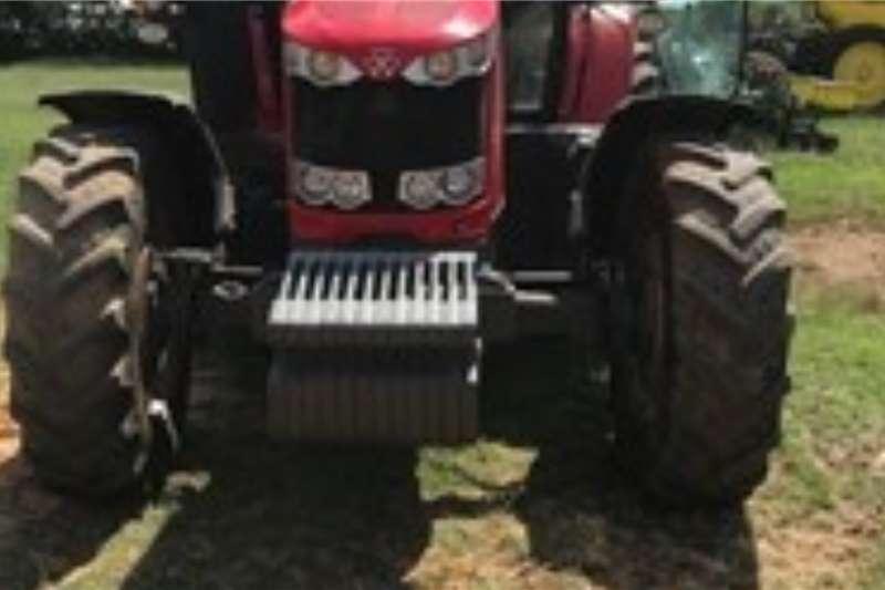 Massey Ferguson Tractors 4WD tractors MASSEY FERGUSON 76149765 Hours 2015