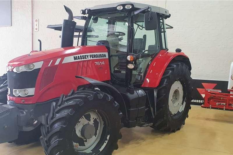 Massey Ferguson 4WD tractors MF 7614 Cab Tractors