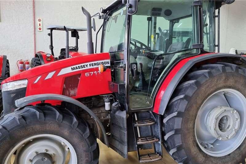 Massey Ferguson 4WD tractors MF7611 Cab Tractors