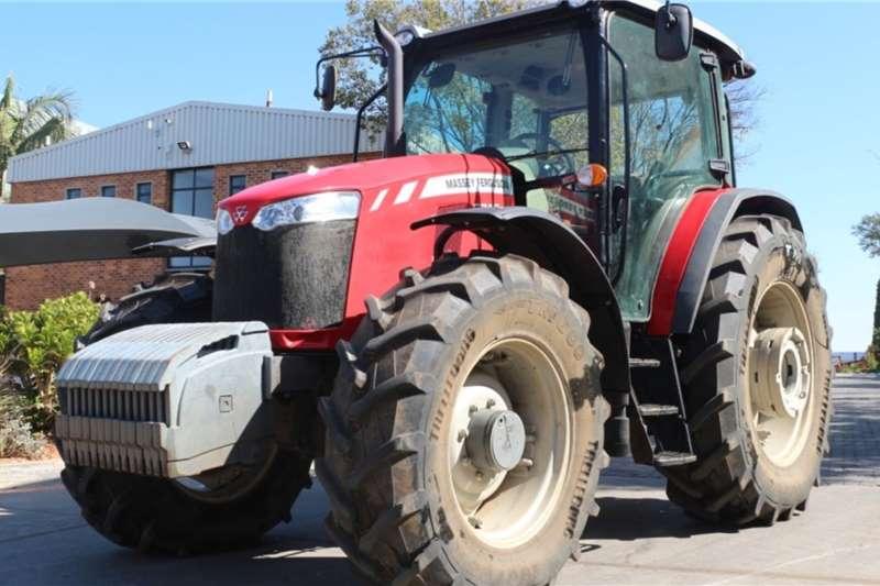 Massey Ferguson Tractors 6713 4WD Cab Tractor 2017