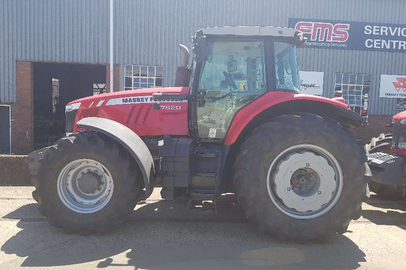 Massey Ferguson Tractors Four wheel drive tractors 2 x 7620 Cab Dyna 6 2015