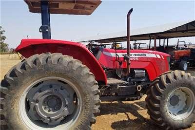 Massey Ferguson Four wheel drive tractors 455 Tractors