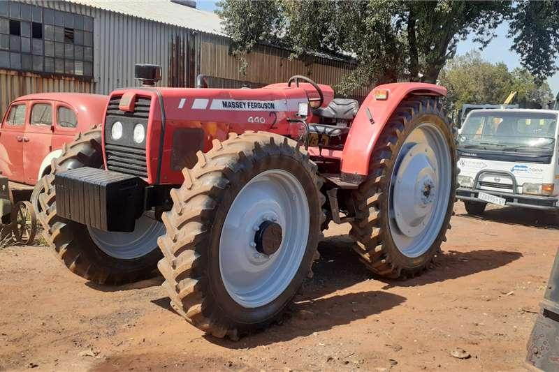 Massey Ferguson Massey Ferguson 440 HC 4x4 Tractors