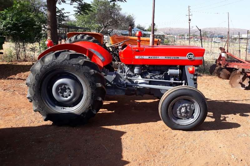 Massey Ferguson Tractors MF 135 TRACTOR 2X4
