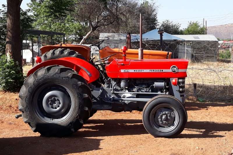 Massey Ferguson MF 135 TRACTOR 2X4 Tractors
