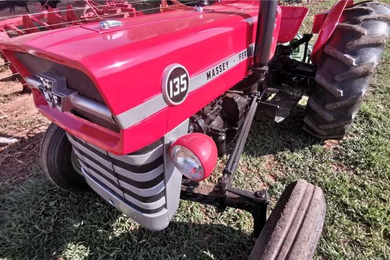 Massey Ferguson Tractors Two Wheel Drive Tractors 135 1978