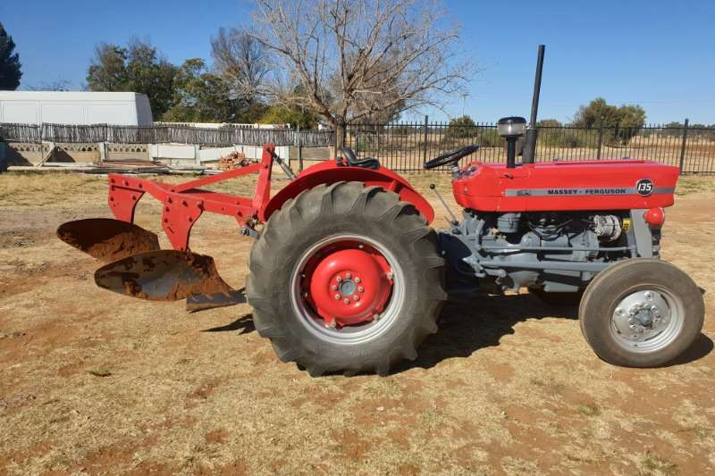 Massey Ferguson Tractors Two Wheel Drive Tractors Massey Ferguson 135