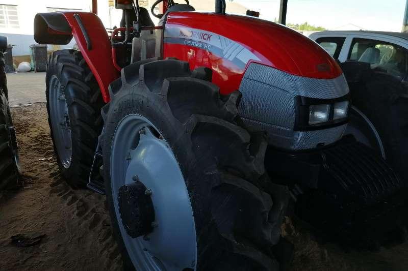 Mccormick Tractors Four Wheel Drive Tractors Mc Cormick 2010 C-Max 95 HC Platform 2010