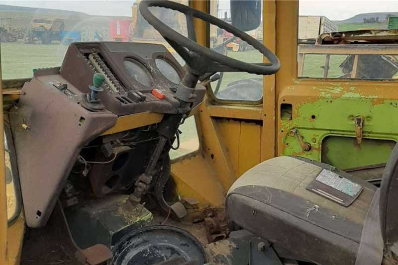 Mercedes Benz MB Trac 1000 Tractor Stripped For Spares Tractors