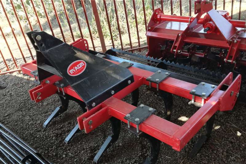 2020   New 9 Tine Chisel Plough With Roller 2m