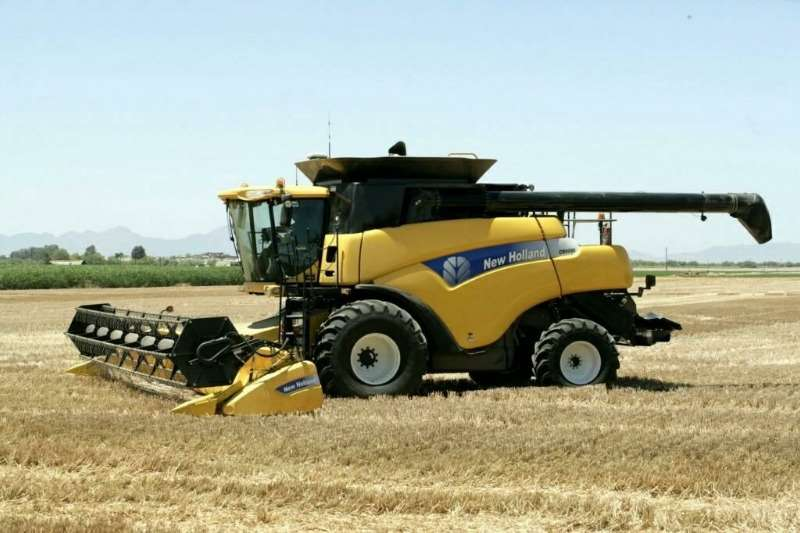 New Holland Combine harvesters and harvesting equipment Grain harvesters New Holland CR 9060 2010