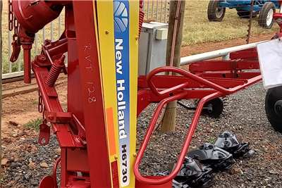 New Holland 4 Tol Snyer New Holland H6730 Harvesting equipment