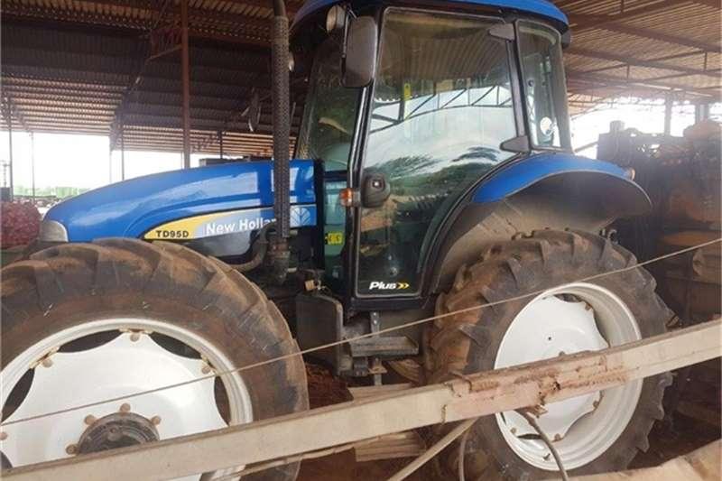 New Holland Tractors 2014