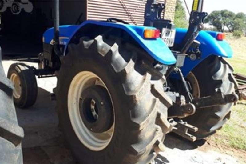 New Holland Tractors 2WD tractors NEW HOLLAND TD802437 Hours 2010