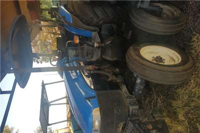 New Holland 2WD tractors TD80D with papers Tractors