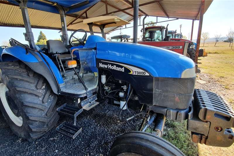 New Holland Tractors 2WD tractors TD80D with papers 2005