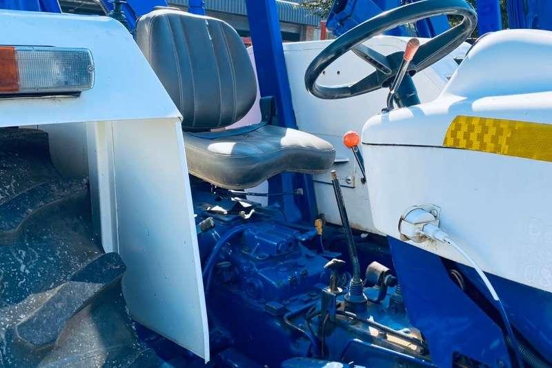 New Holland 4WD tractors Tractors