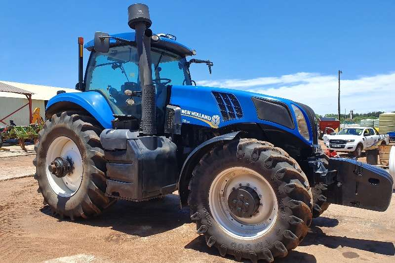 New Holland 4WD tractors New Holland T8.330 with Trimble GPS Tractors