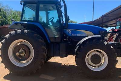 New Holland 4WD tractors New Holland TM 7030 124kW Tractors