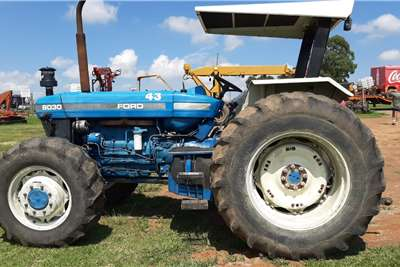 New Holland 8030 4x4 Tractor Tractors