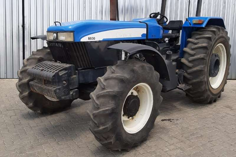 New Holland Tractors Four wheel drive tractors New Holland 8030 90kw 2008