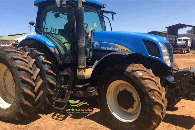 New Holland Tractors Four Wheel Drive Tractors New Holland T 7040 2013