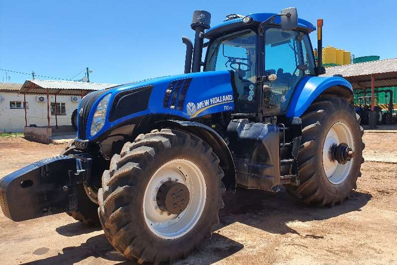 New Holland Tractors Four wheel drive tractors New Holland T8.330 with Trimble GPS 2012