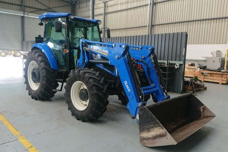 New Holland Tractors Four wheel drive tractors New Holland TD 5.110 + Loader 2017