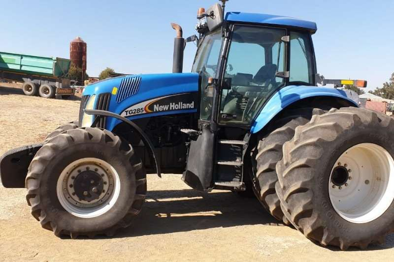 New Holland Tractors Four Wheel Drive Tractors New Holland TG 285 2005