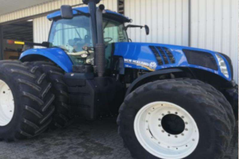 New Holland Tractors New Holland T8390 2015