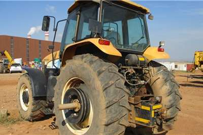 New Holland New Holland TM7030 Series, 4x4 Tractor Tractors