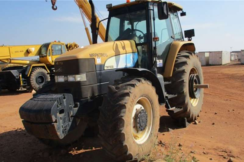 New Holland Tractors New Holland TM7030 Series, 4x4 Tractor
