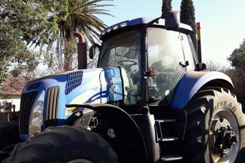 New Holland Tractors T8040 2016