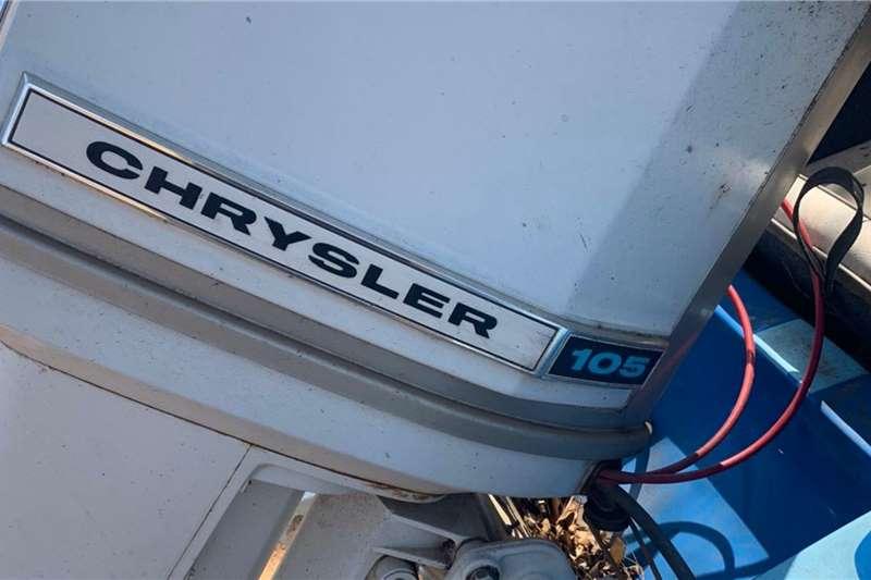 105 Chrysler 4m Romm Boot met trailer Other