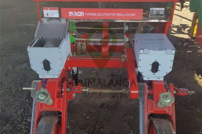 2 ry mielie planter Other