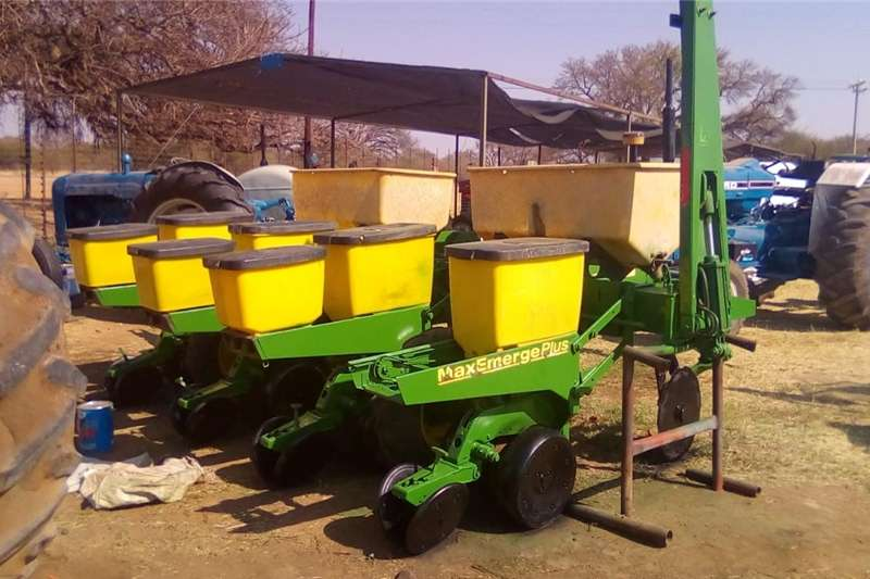 Other 4 Ry John Deere Planter 1750 Max Ernerge Plus
