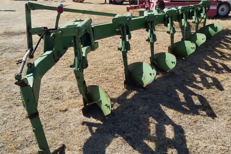 Other 7 Furrow Beam Plough Balk Ploeg