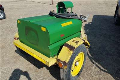 Other Fuel bowsers Jerrykar dieselbowser Agricultural trailers