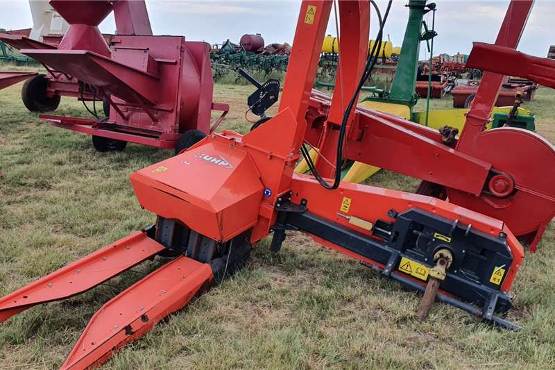 Other Combine harvesters and harvesting equipment Forage harvesters Kuhn Silage Harvester as good as new