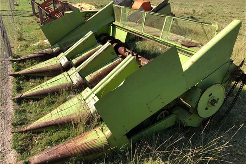 Combine harvesters and harvesting equipment for sale in