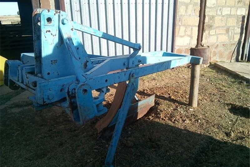 """Other cultivators 20"""" Single shear mouldboard plough / Een skaar p"""