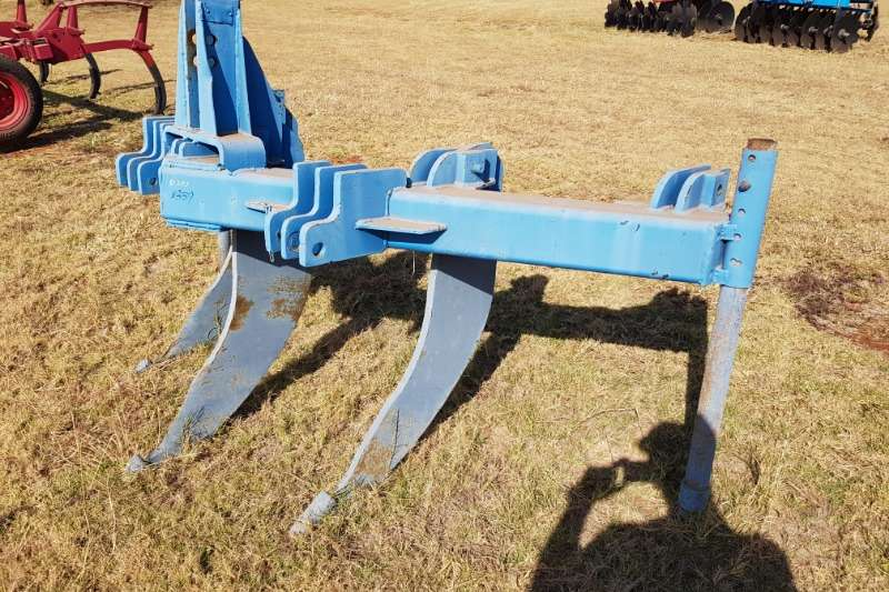 Other Cultivators Field cultivators 3 tooth ripper