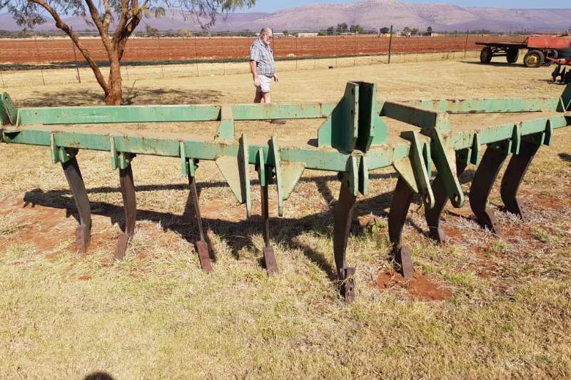Other Cultivators Field cultivators 9 tine ripper / 9 tand ripper big ox type