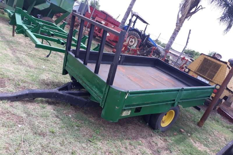 Other Feed wagons 2 WHEEL FARM TRAILER 3 TON