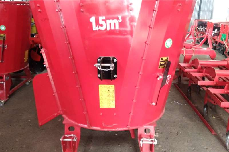 Other Feed Mixer PTO 1.5 cube PTO Feed wagons
