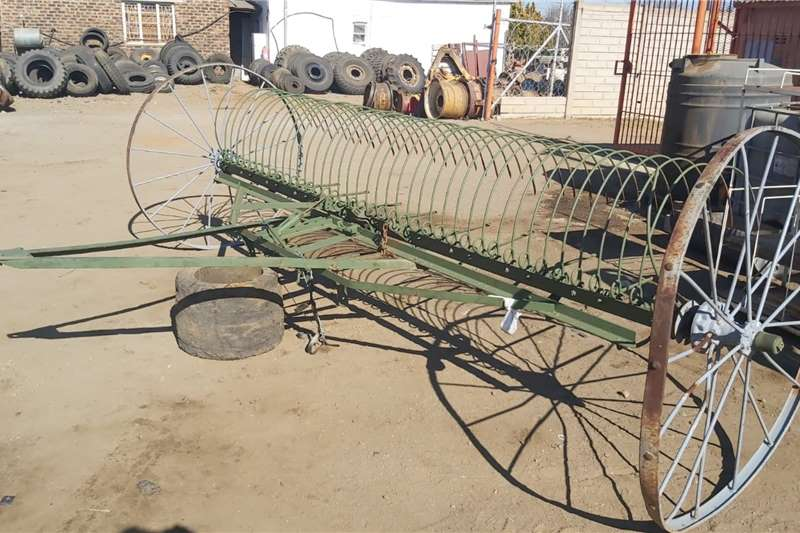 Other Oshark Antique Rake Haymaking and silage