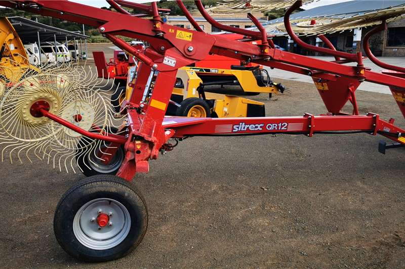 Other Rakes Sitrex QR12 with double Kicker wheels Haymaking and silage